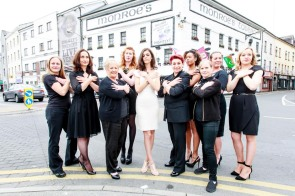 Models from Roza Model Agency join team members from Breast Cancer Research to promote their fashion show at Monroes Live on September 17th. 1 in 10 Irish women will be affected by breast cancer. Tickets at www.monroes.ie