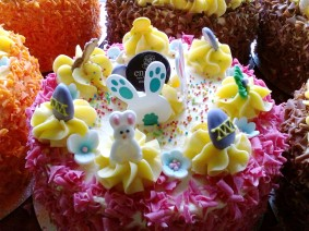 Making Easter cakes is fun