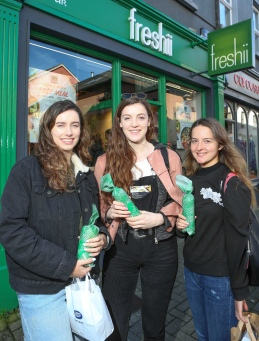 To celebrate the opening of Freshii in Galway, the global healthy fast food restaurant chain invited Galwegians to Eat and Energize for FREE on Thursday. Pictured are Meath Murphy-Limerick, Meghan Kelly-Galway, Vivienne Mannion-Galway. Photograph by Aengus McMahon