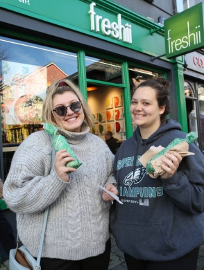 To celebrate the opening of Freshii in Galway, the global healthy fast food restaurant chain invited Galwegians to Eat and Energize for FREE on Thursday. Pictured are Haley Hart and Sofia Jochim. Photograph by Aengus McMahon